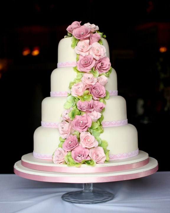 Four-tiered-Sugar-Rose-Cake-