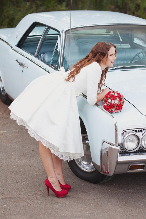 Wedding Dresses: Wear a Short Style!