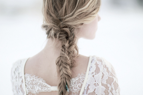 Easy Five Minute Hairdos For  Bridesmaids