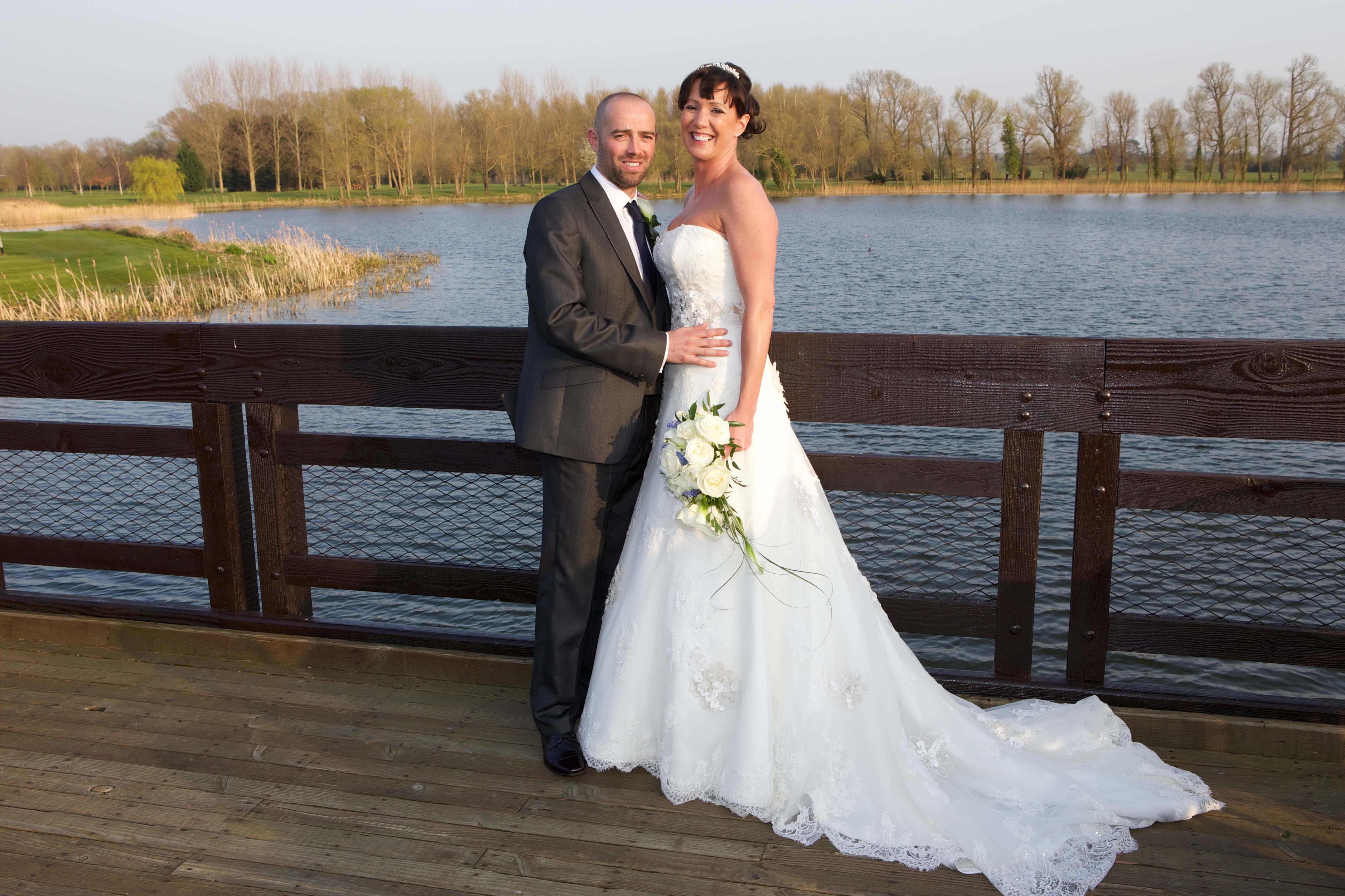 Real Wedding: Lovebirds in Wyboston Lakes