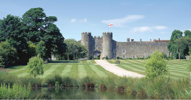 the top 5 wedding castles in the uk weddingdates blog. Black Bedroom Furniture Sets. Home Design Ideas