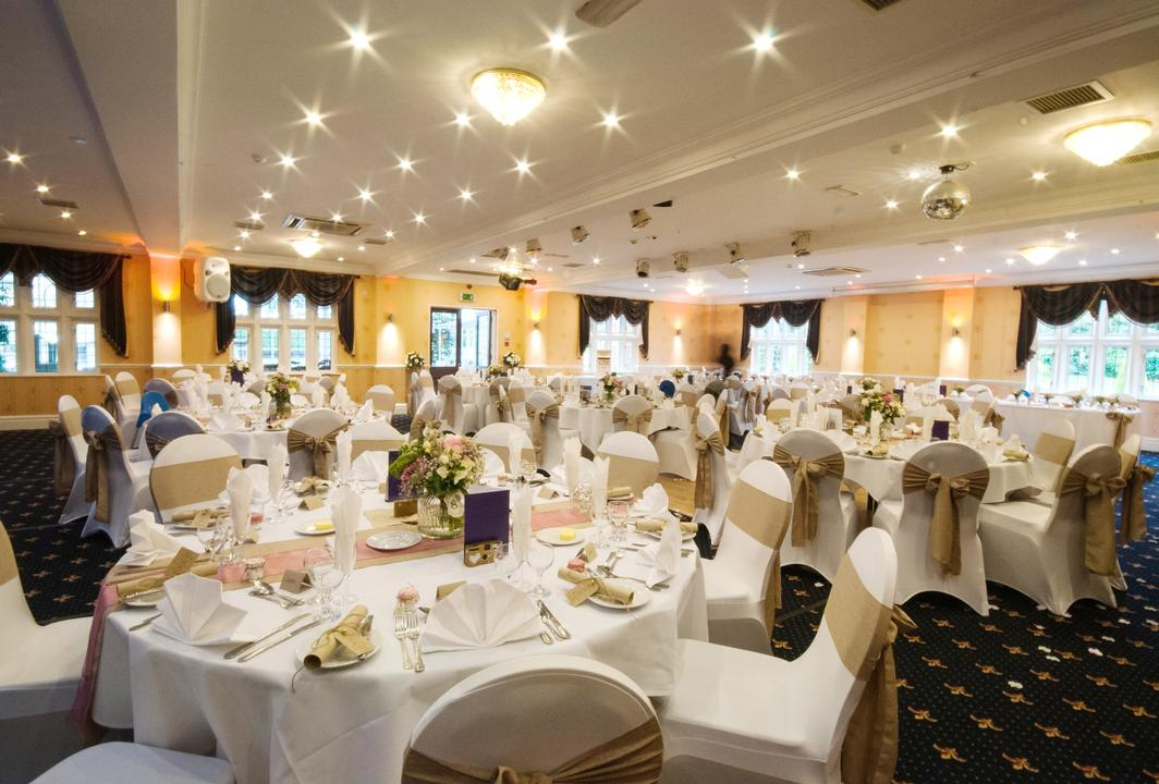 Summer Wedding Trends With Rogerthorpe Manor Hotel