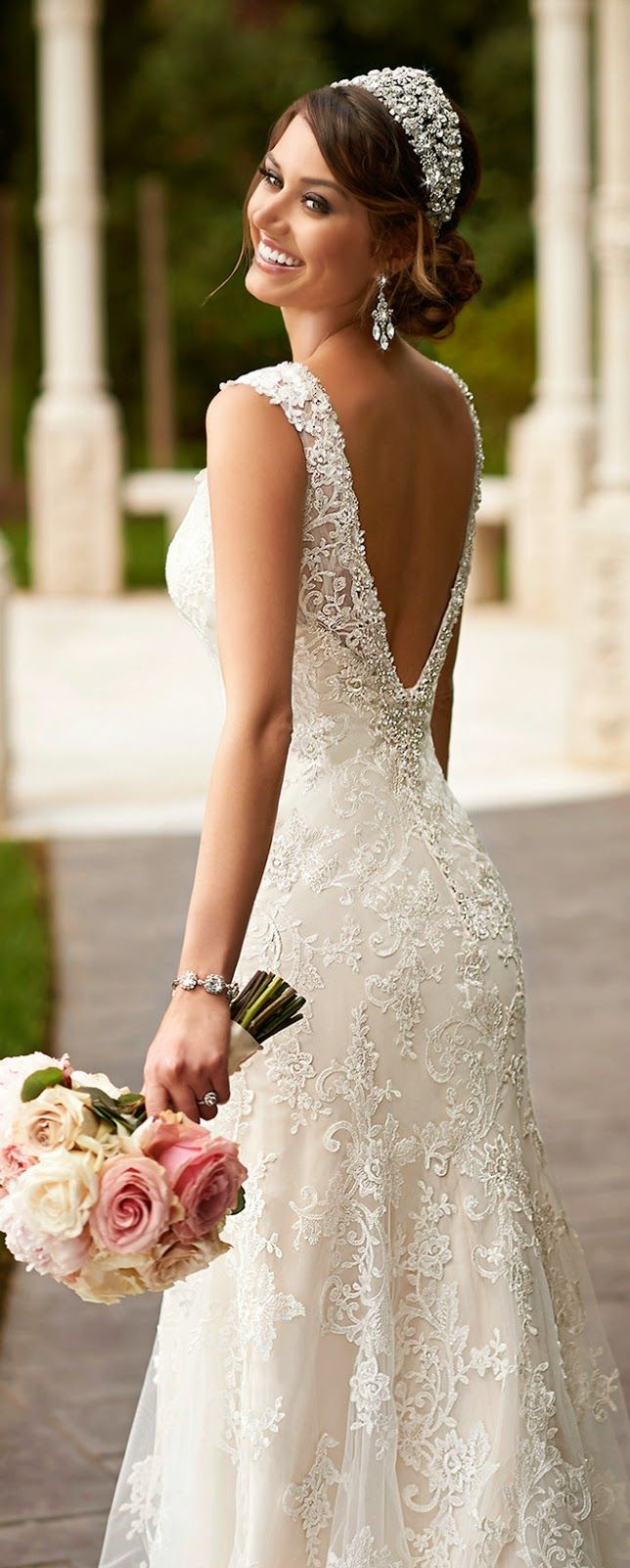 tips for wedding dress shopping | weddingdates blog