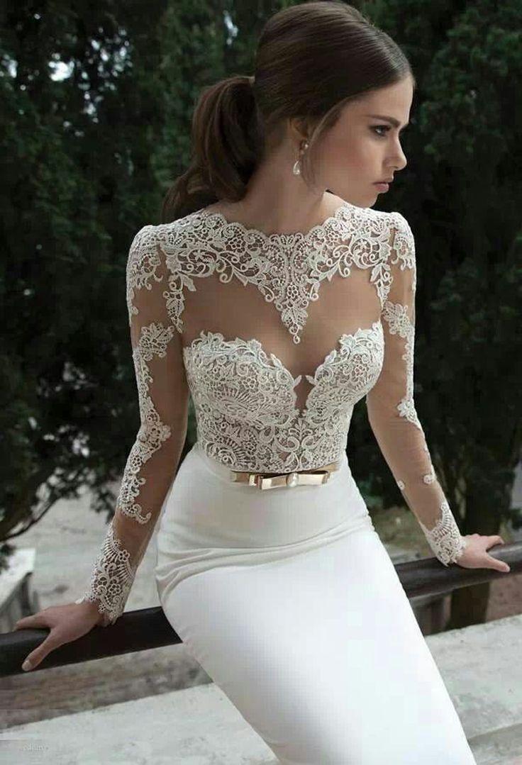 Figure-hugging Wedding Dress