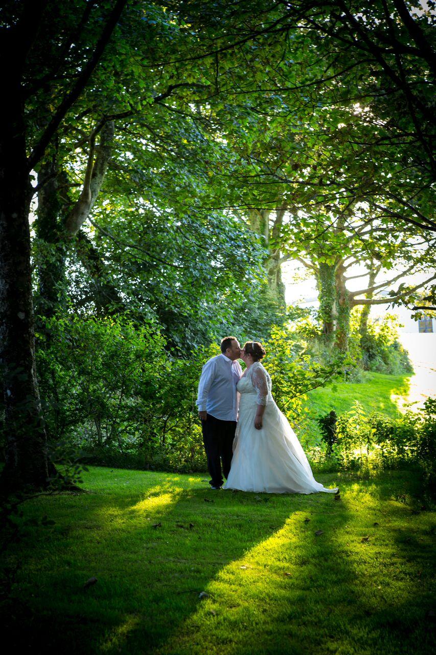 Summer & Sunflowers: Sue + Wayne's Beautiful Wedding