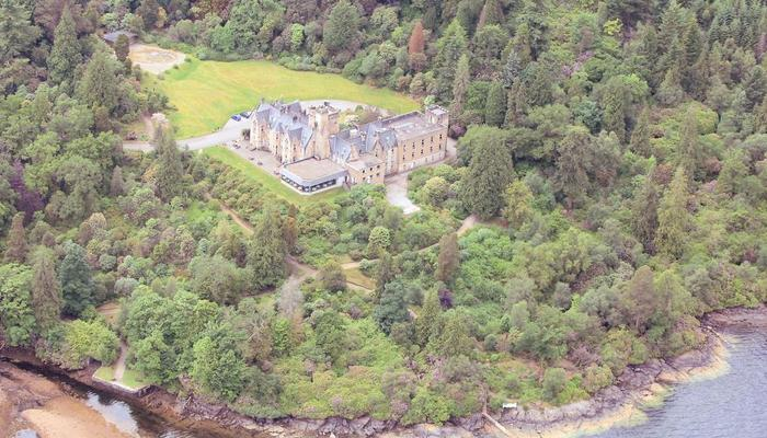 Getting Married In Scotland: Stonefield Castle