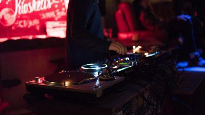Band or DJ