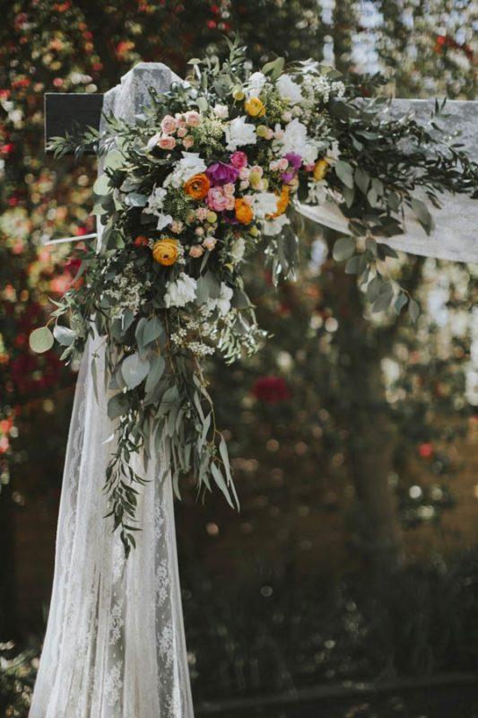 whimsical-bohemian-wedding-at-the-slate-barn-and-gardens-9-600x900