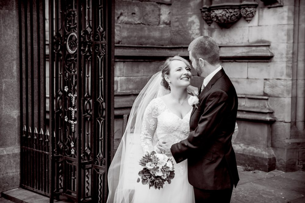 Breadsall-Priory-wedding-photographer-spring-SM-Elen-Studio-Photography-318 (2000x1333)