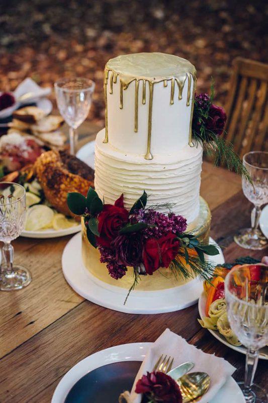 Modern-Rustic-Wedding-Inspiration-Cake