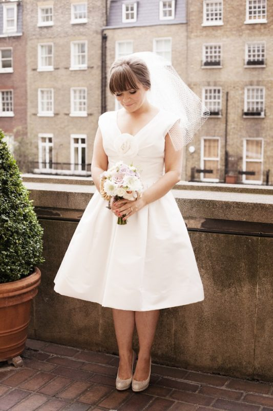 Retro-Chic-60s-London-Wedding20