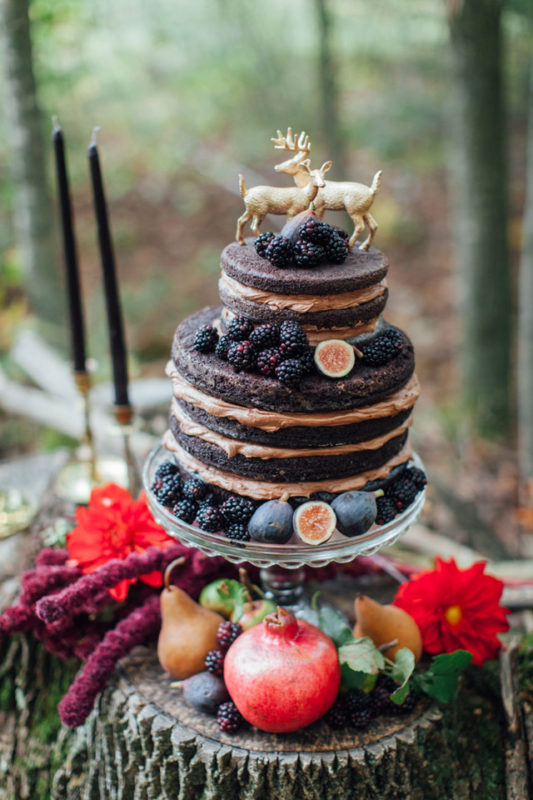 artemis-photography-dark-autumn-forest-wedding-inspiration-20