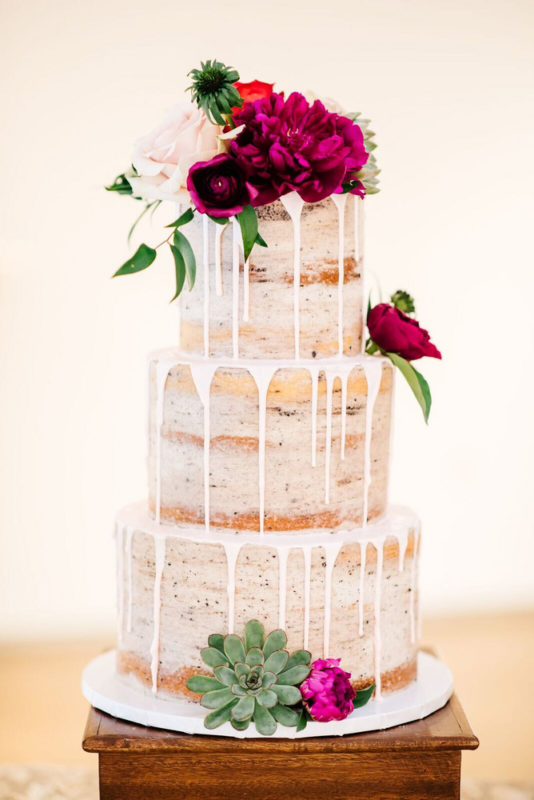 drip-cakes-are-leading-the-wedding-cake-trends-here-s-why-59a52b43ebb7c97766f48042-w1000_h1000