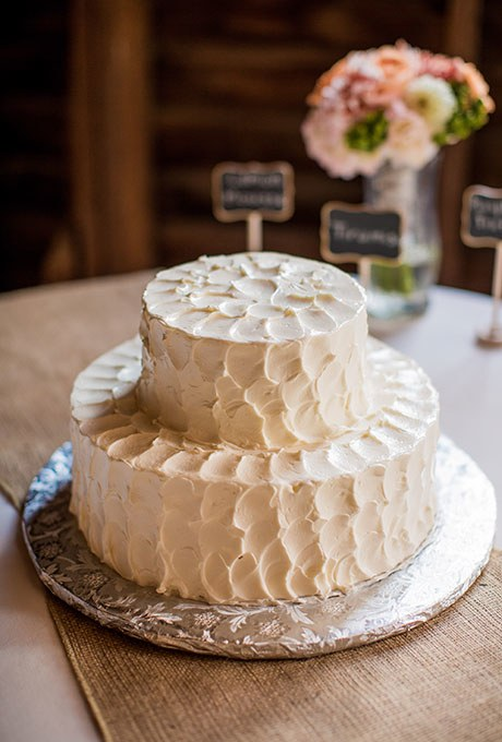 2015_bridescom-Editorial_Images-01-White-Wedding-Cakes-Large-White-Wedding-Cakes-Heather-Burks