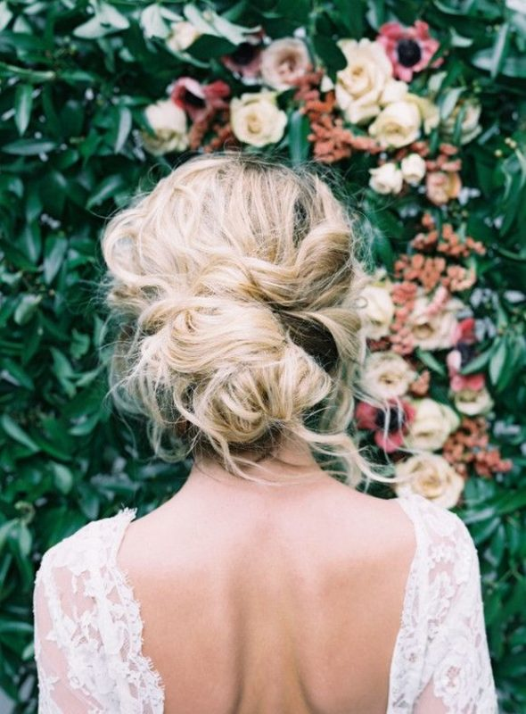 soft-loose-wedding-hair-boho-bride-look