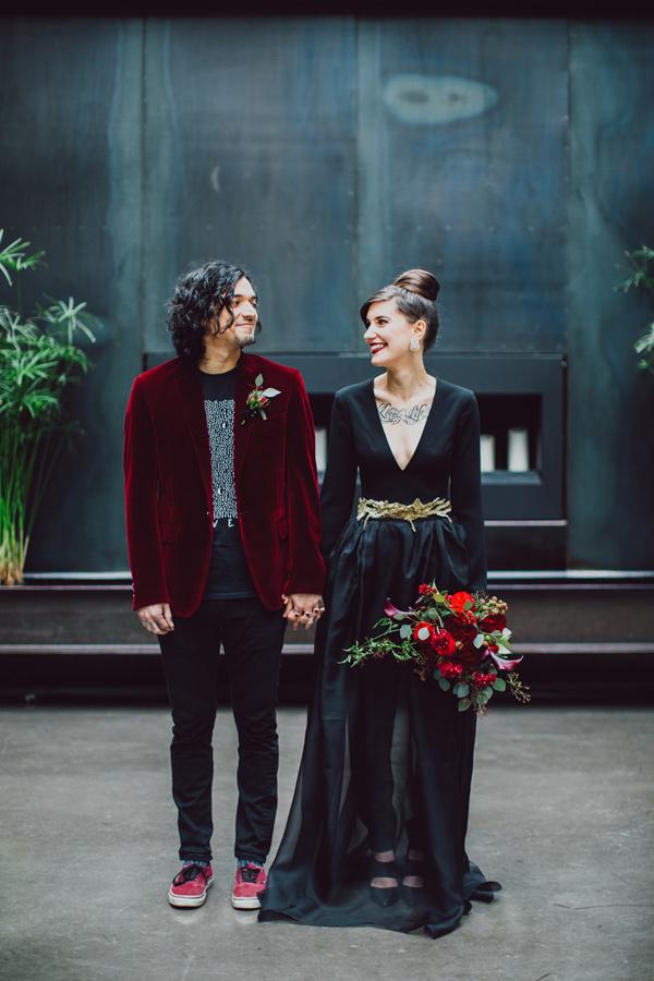 wedding-inspiration-shoot-with-drama-and-romance-01