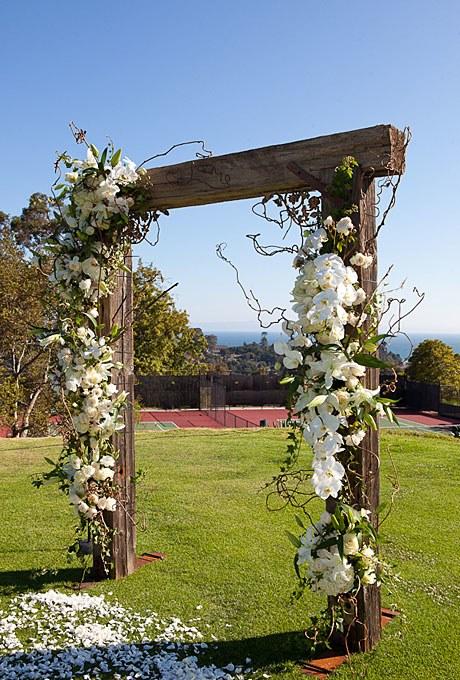 2013_bridescom-Editorial_Images-02-summer-country-club-wedding-santa-barbara-large-summer-wedding-santa-barbara-wood-arbor-white-orchids-wedding-ceremony-decor
