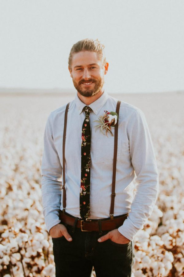 This-Alternative-Elopement-Inspiration-in-a-Cotton-Field-is-Perfect-for-Fall-Emily-Nicole-Photo-11-600x900