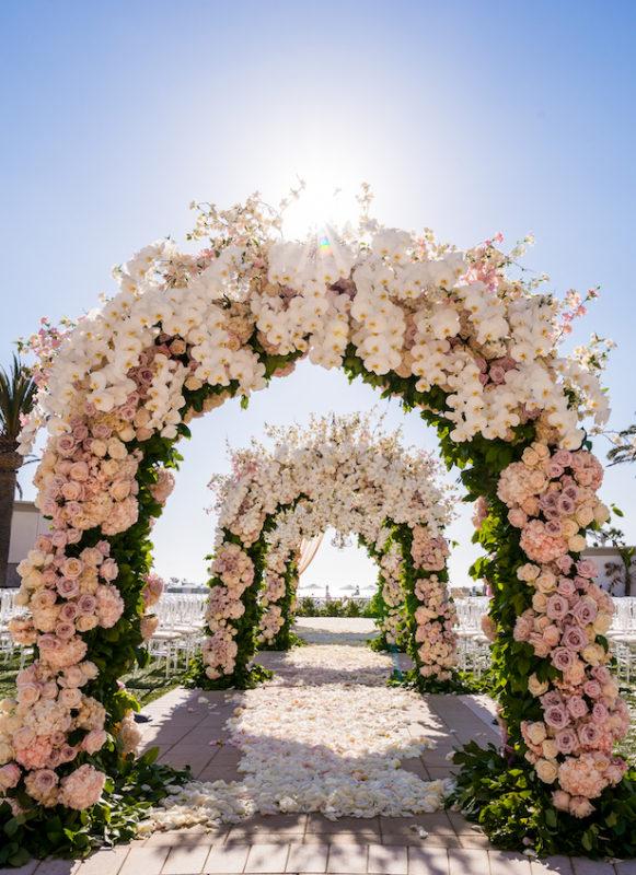 luxury-Wedding-arch