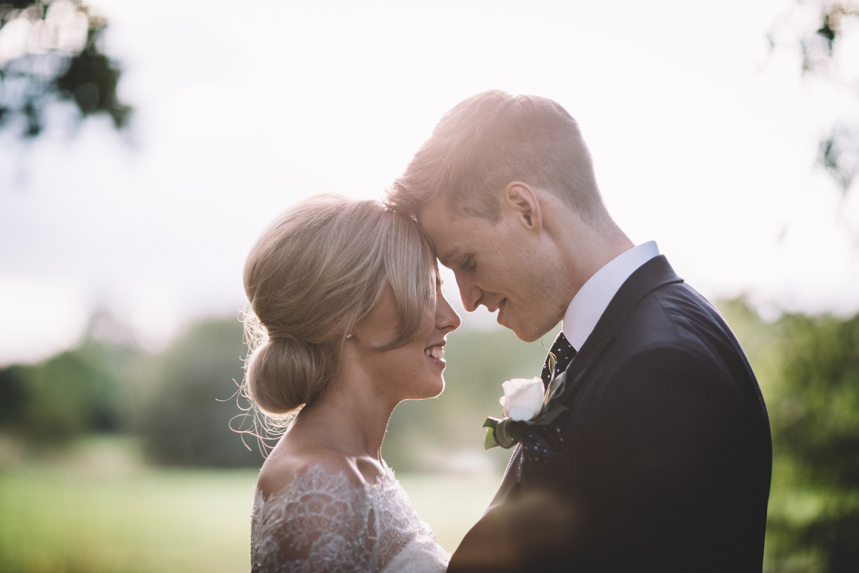 August Romance : Katy + Ben's Laid-Back Wedding Day in Cheshire