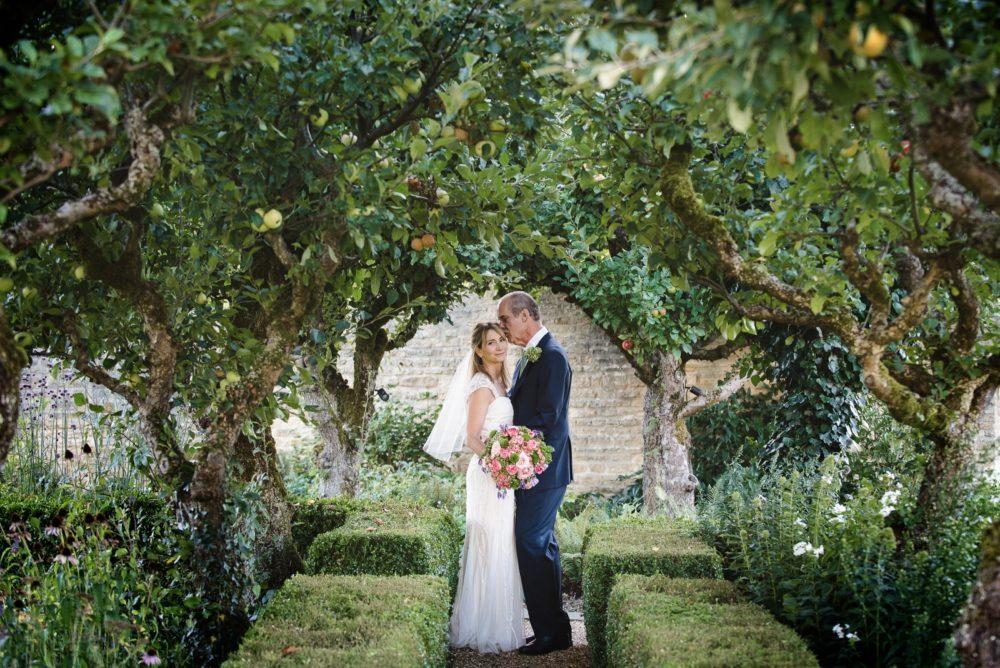 Kelly&Robert-WeddingsbyNicolaandGlen-375 (1600x1068)
