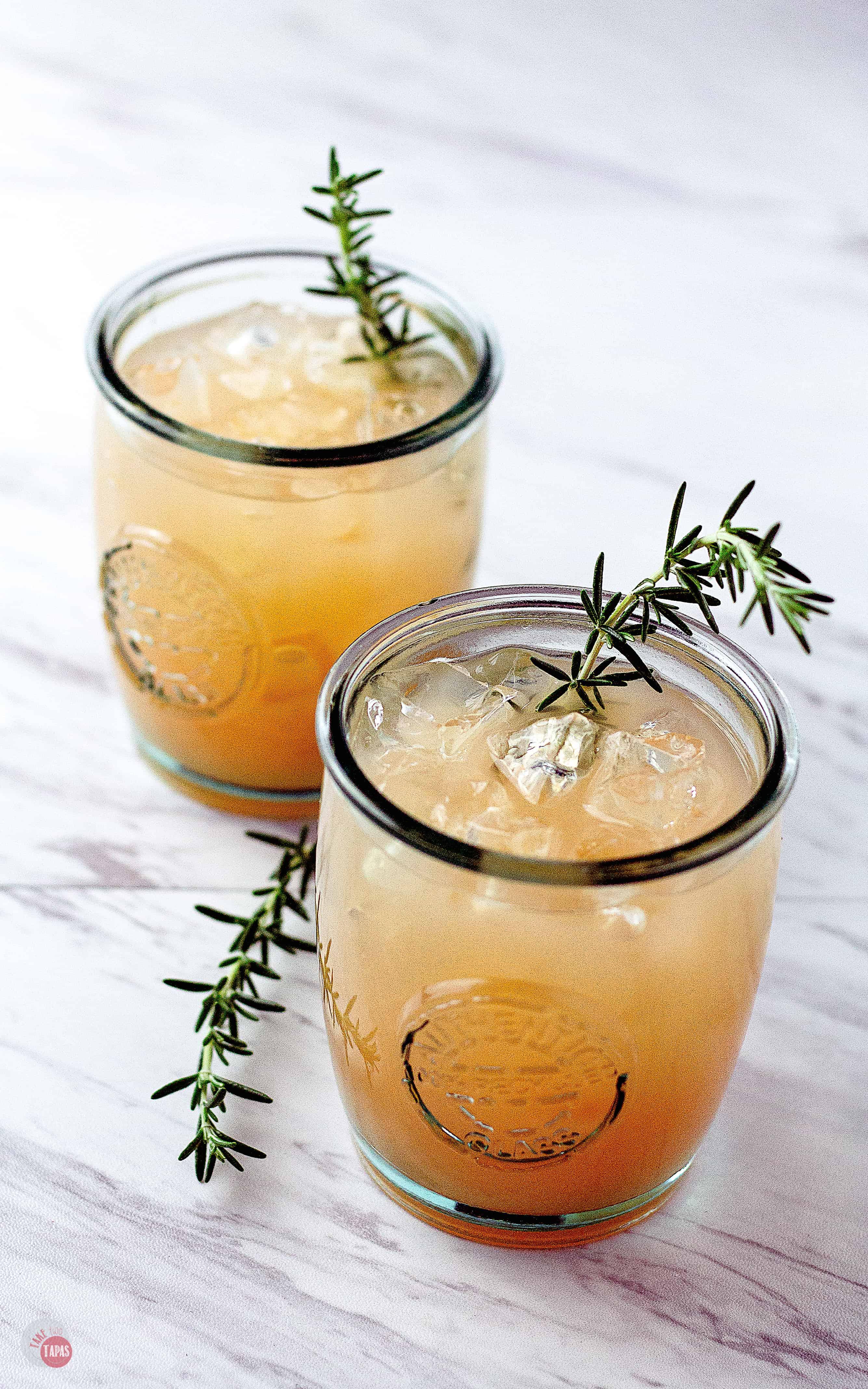 Grapefruit-Rosemary-Rum-Punch-3 (531x850)