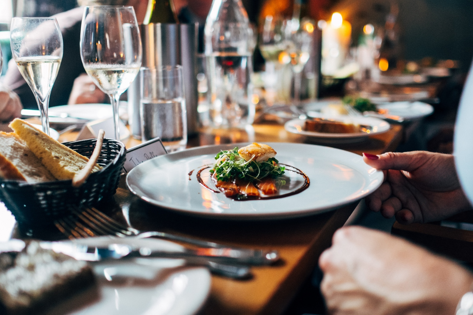 How to choose your wedding catering
