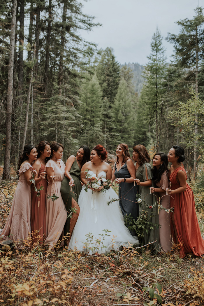 let-the-earthy-autumnal-tones-in-this-no-business-lodge-wedding-in-mccall-idaho-inspire-your-color-palette-maggie-grace-photography-12