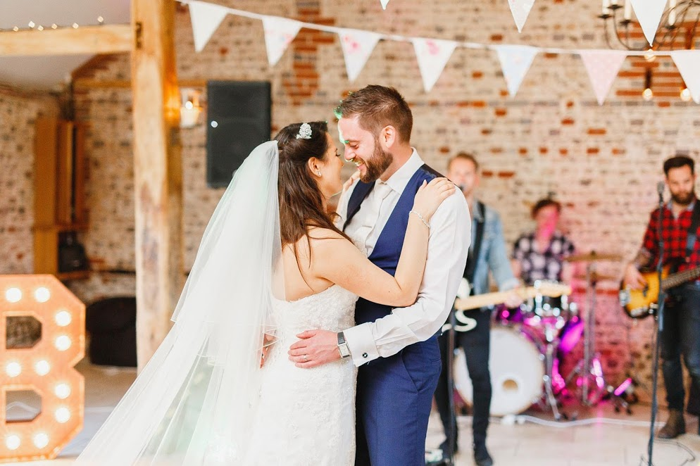 5 Important Questions to Ask Your Venue Before Hiring Wedding Entertainment