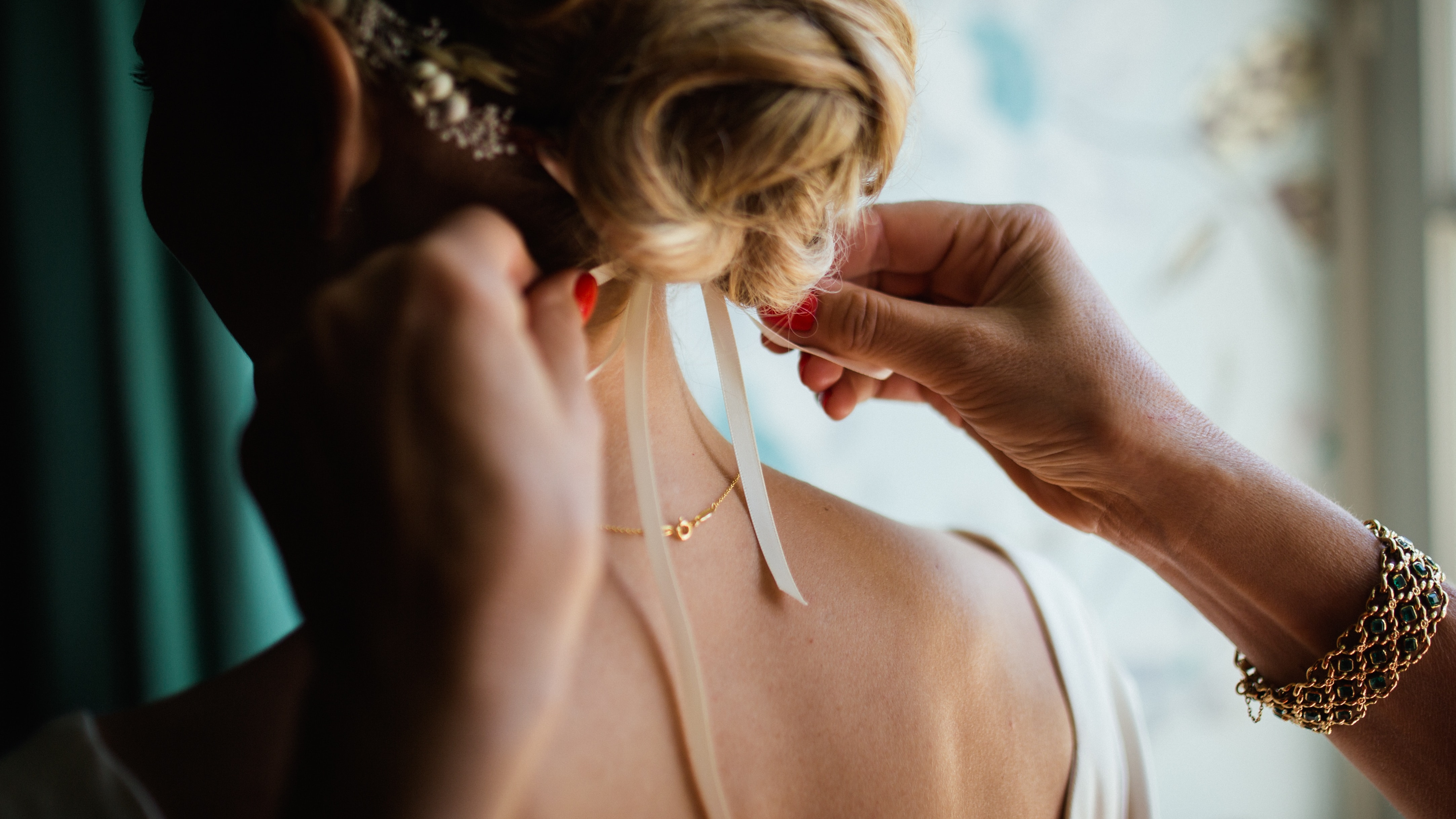 Our Guide To Perfect Accessories For Your Wedding Day
