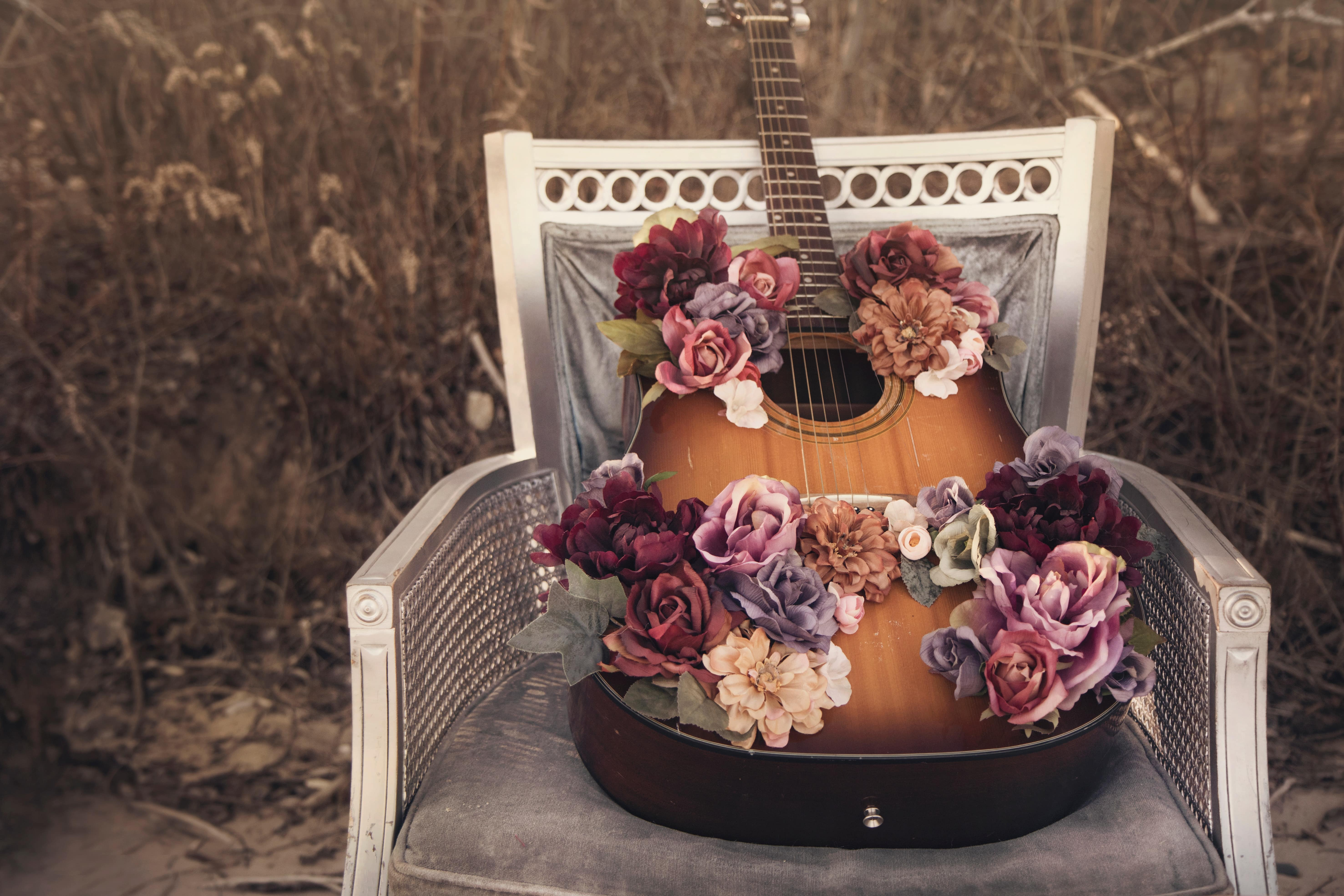 Three Types Of Guitar Player That Will Be Perfect For Your Wedding Day