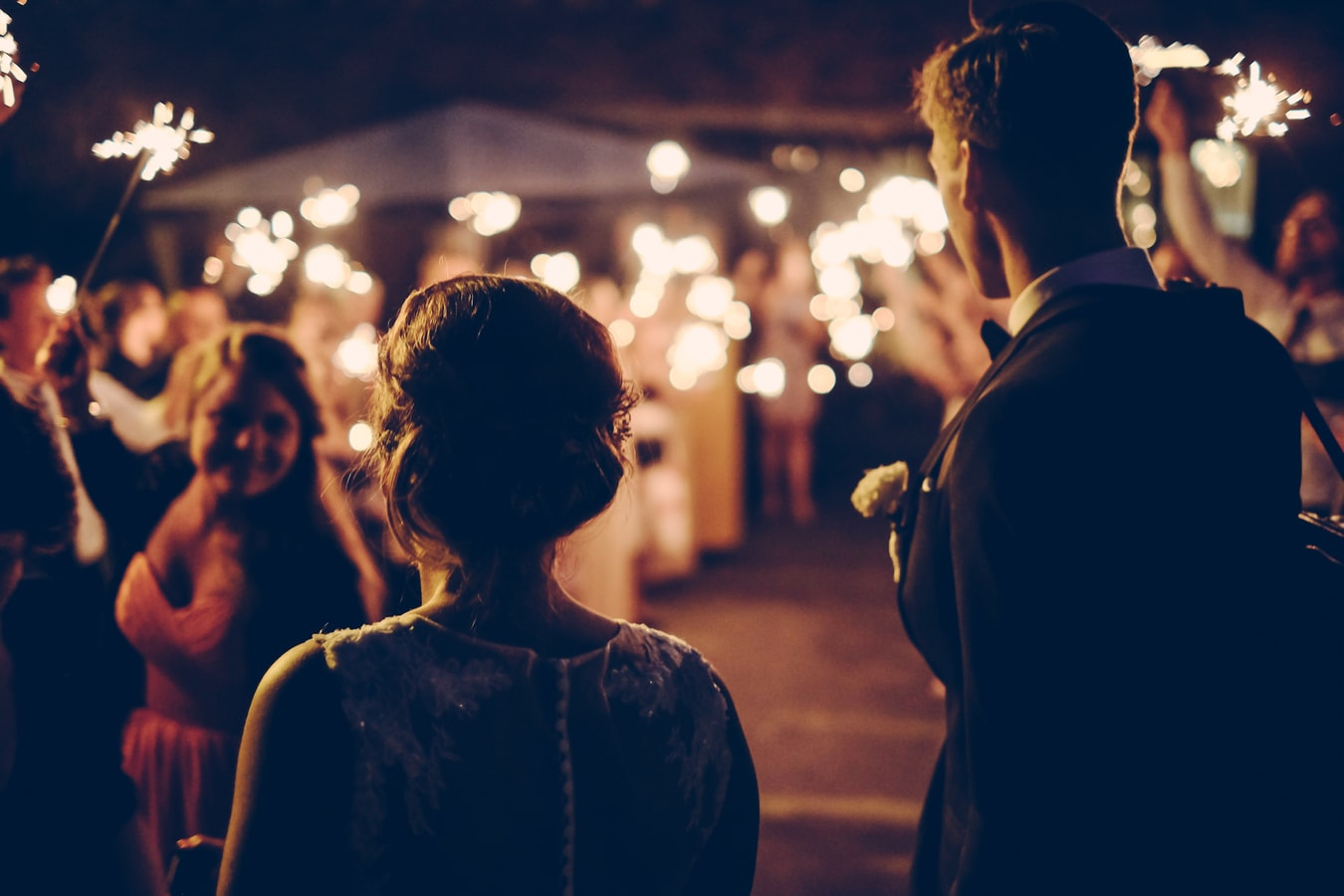 A Guide to Using Sparklers for Your Wedding Send-Off
