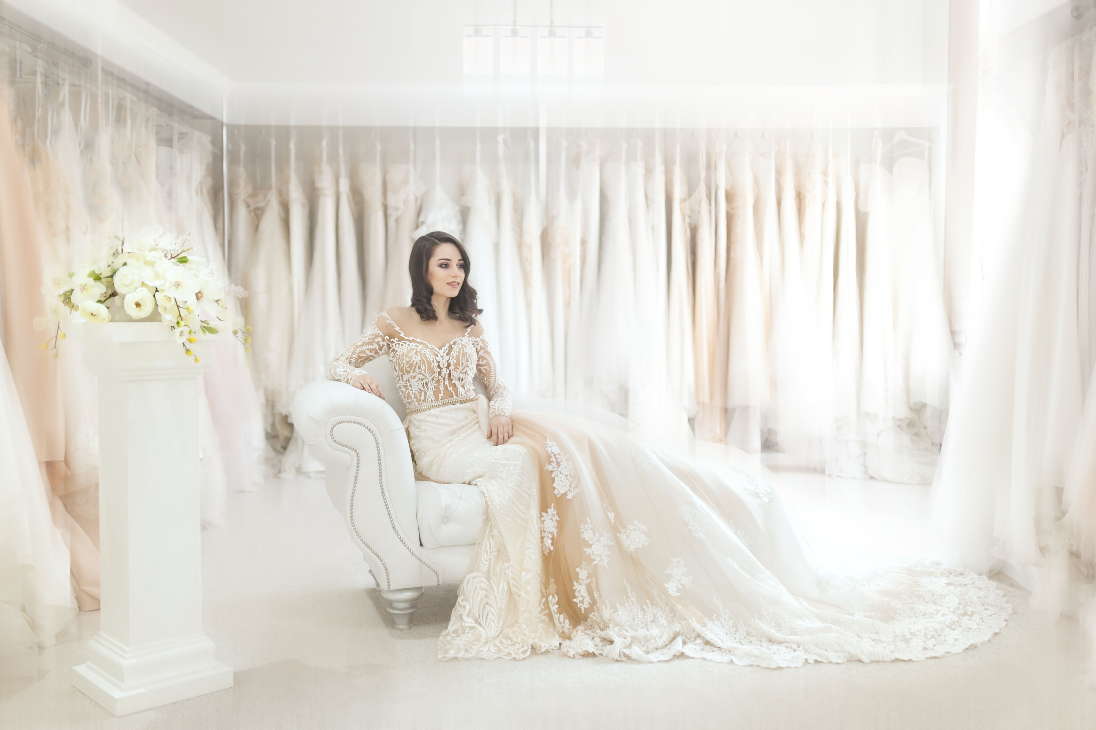 Bridesmaids: Create the perfect wedding dress shopping experience