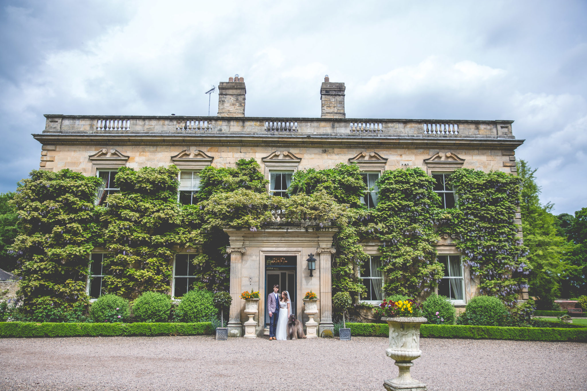 Planning a Midweek Wedding? Here's What to Consider