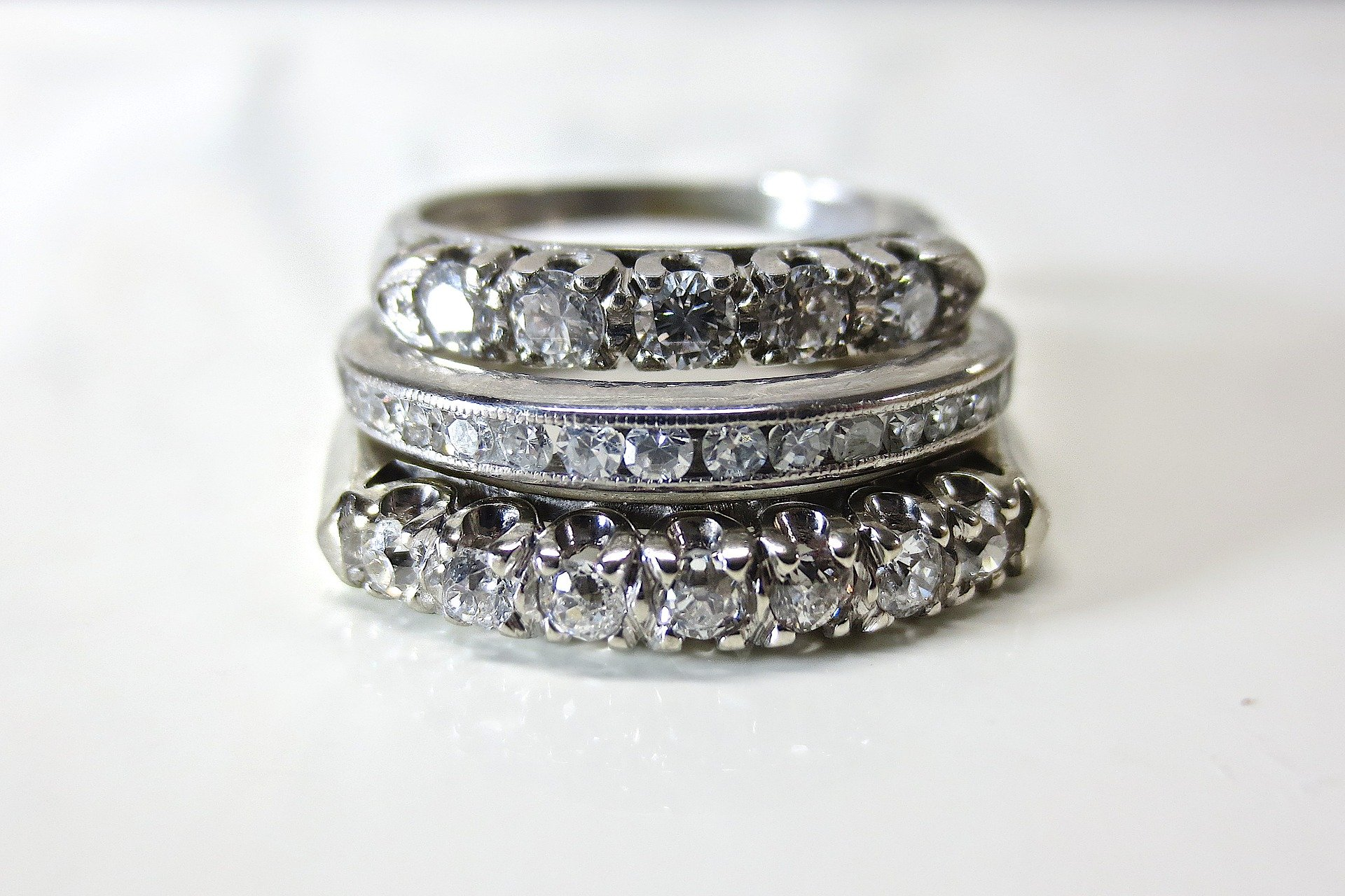 Heirloom Etiquette Guide for Engagement & Wedding Rings