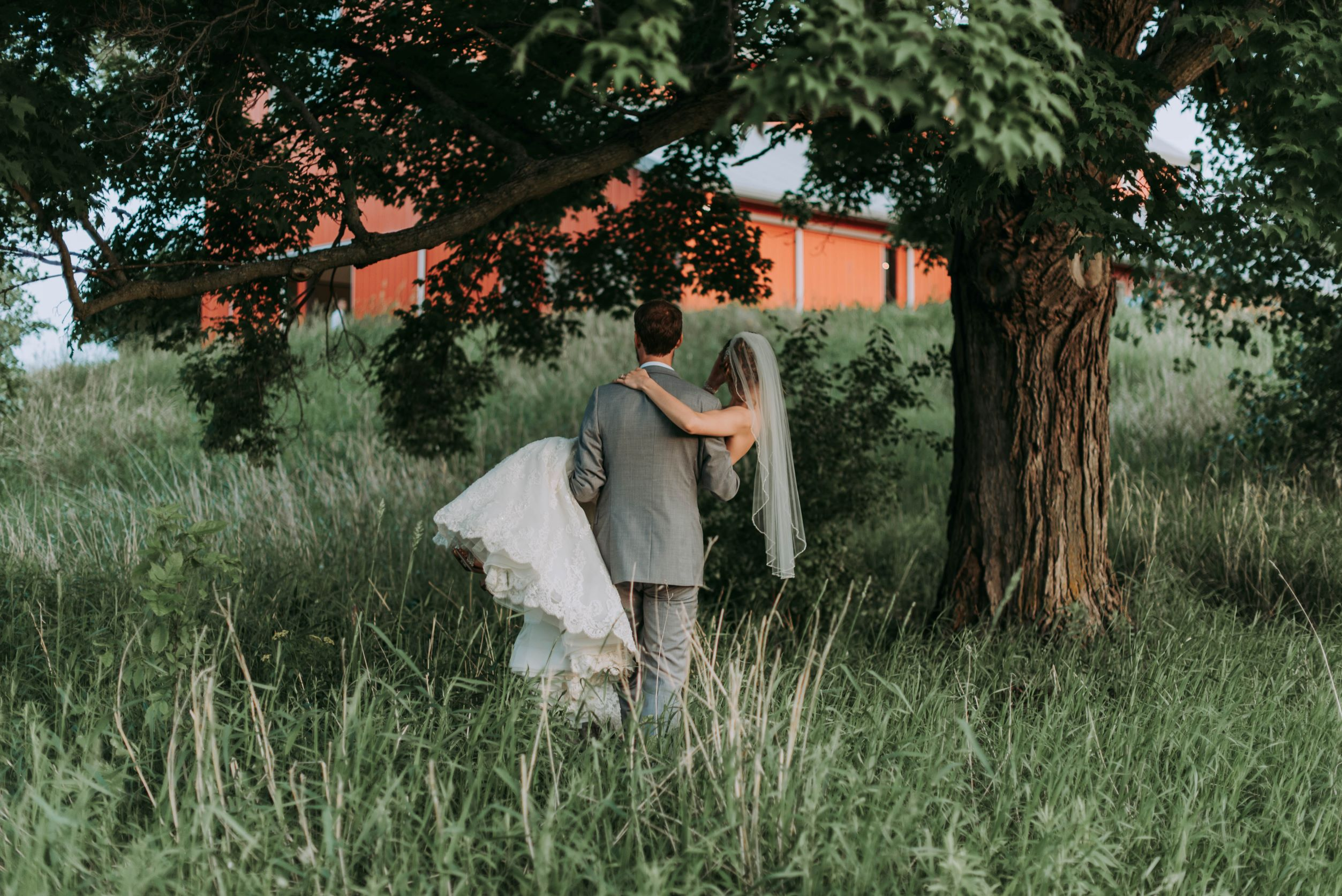 7 Steps to get the Basics right for your Barn Wedding