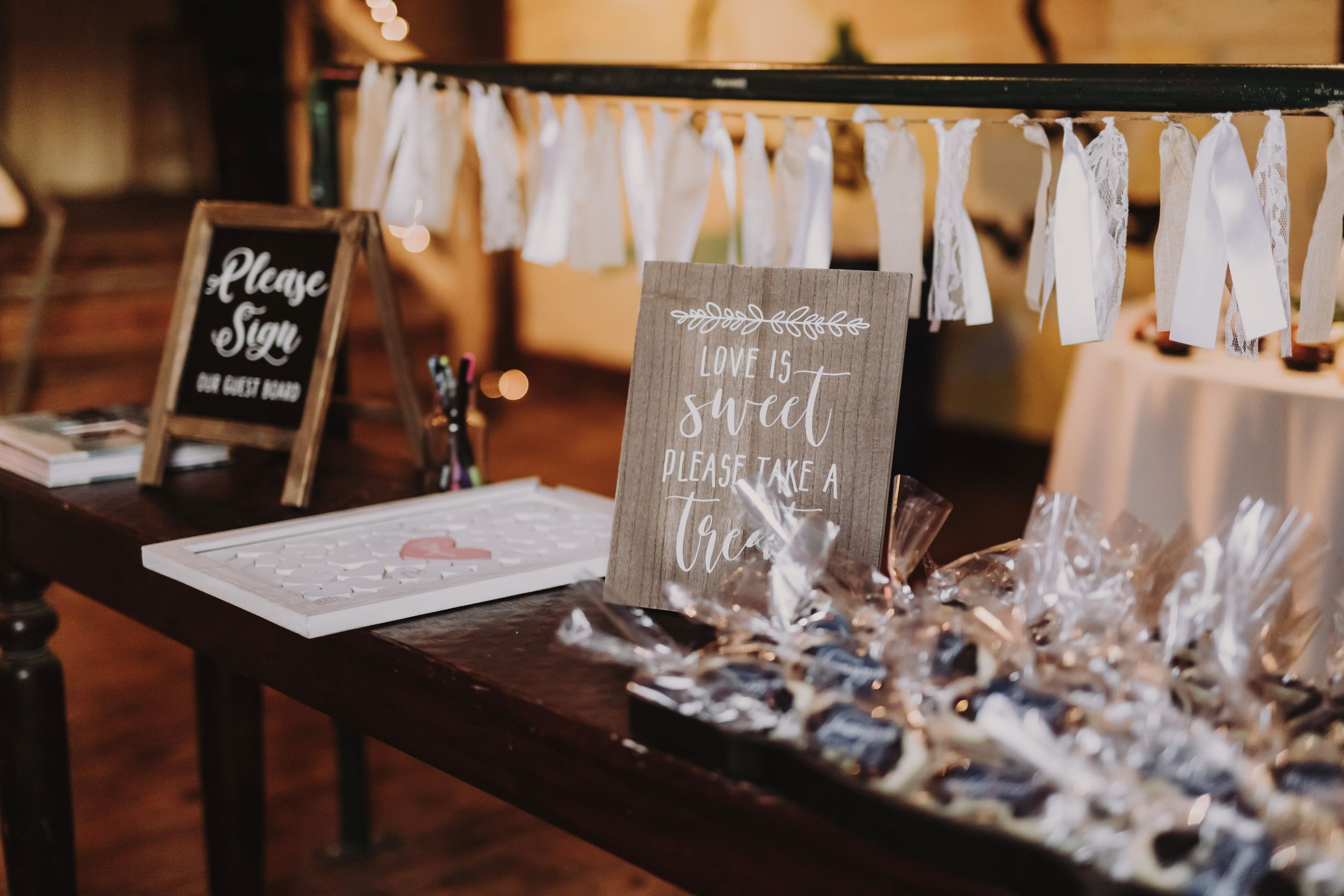 signage for your barn wedding